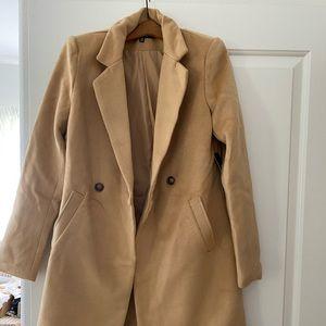 Lulu's tan jacket